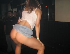 Thong booty shake